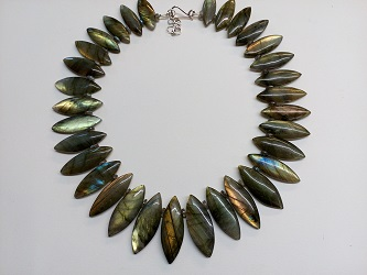 68871 - Labradorite bead collar with handmade silver fittings