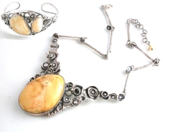 65553 - Cream Amber set of Necklace & Bangle in Sterling Silver