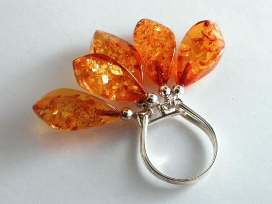 65736 - Amber rattle Ring in Sterling Silver