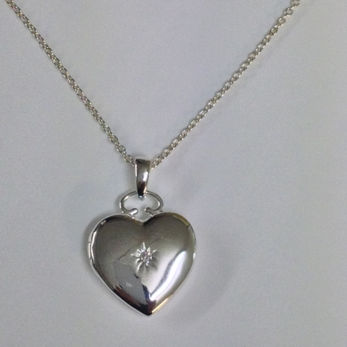 68456 - Sterling Silver Heart shaped Locket Pendant & chain