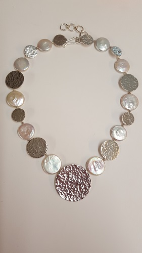 68552 - Handmade sterling silver necklace featuring Coin Pearl highlights
