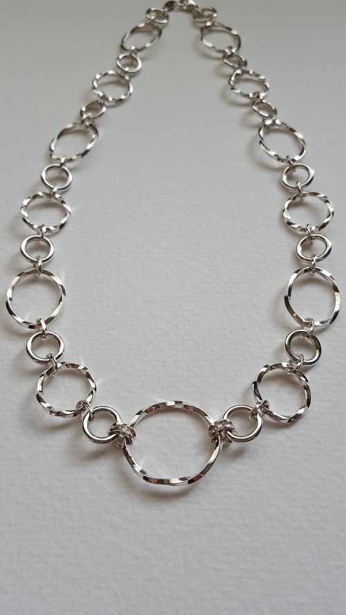 69120 - Handmade sterling silver twist hoop necklace