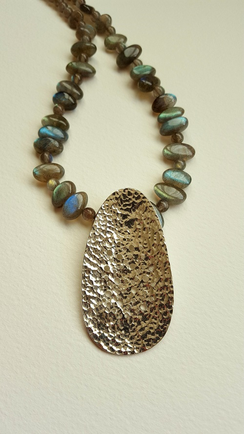 69125 - Handmade pendant featuring Labradorite beads in Sterling Silver