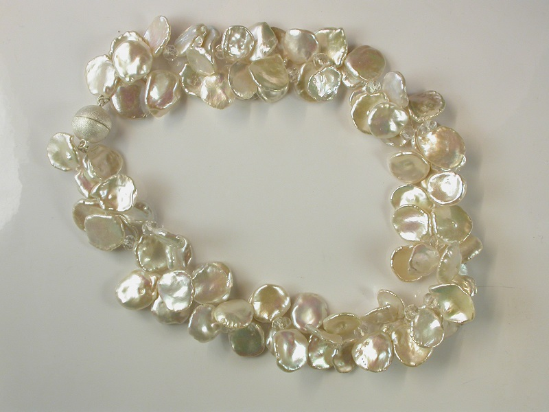 69571 - Baroque 'Cornflake' cultured Pearl necklace with silver magnetic clasp