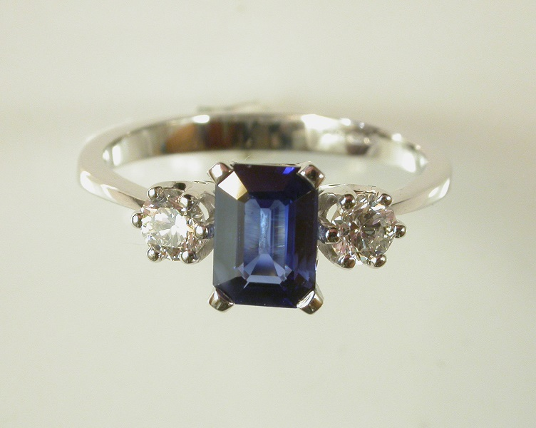 69722 - Blue Sapphire & Diamond 3 stone Ring in 18ct White Gold
