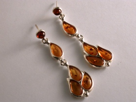 65125 - Paisley shaped Amber Drop Earrings in Sterling Silver