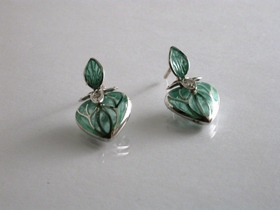65234 - Plique A Jour Green Enamel Heart Earrings