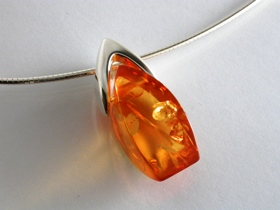 66779 - Freeform Amber Pendant in Sterling Silver including chain