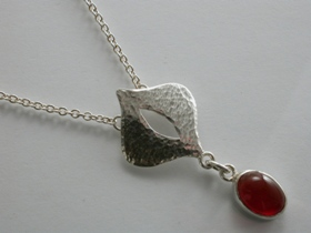 66803 - Handmade Sterling Silver Necklet set with Fire Opal