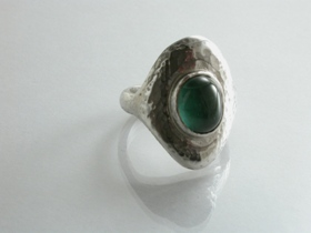 66824 - Handmade Ring in Sterling Silver set with Green Tourmaline