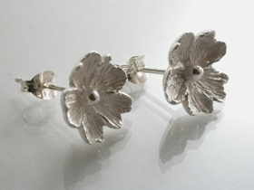 67275 - Inspired Flower Stud Earrings in Sterling Silver