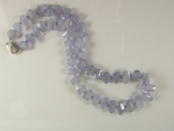 68024 - Chalcedony & Tanzanite necklace with silver box clasp