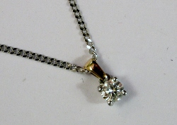 68409 - 0.10ct Diamond Pendant & Chain in Gold