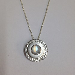 68424 - Handmade pendant set with Rainbow Moonstone in Sterling Silver