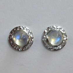 68425 - Handmade Silver Disc Stud Earrings set with Rainbow Moonstone