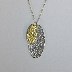 68519 - Handmade Sterling silver hammered pendant with 18ct vermeil accent oval