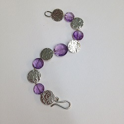68538 - Handmade hammered silver Bracelet with Amethyst beads