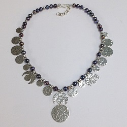 68548 - Handmade sterling silver necklace featuring Peacock & Silver pearls
