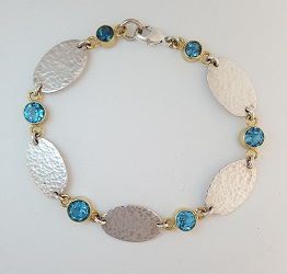 68707 - Handmade hammered silver 18ct Vermeil Bracelet set with Blue Topaz