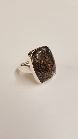 68889 - Handmade Sterling Silver Ring set with Rutilated Quartz