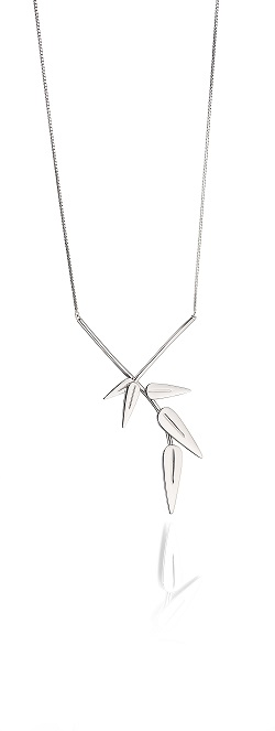 69005 - Fiorelli Leaf pendant in Sterling Silver