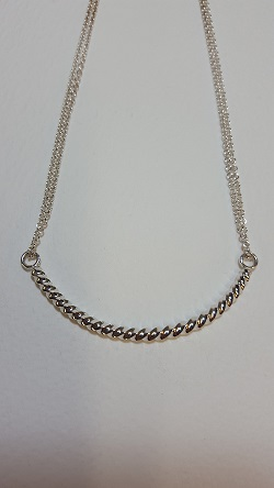 69126 - Handmade sterling silver twist bar necklace
