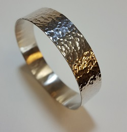 69129 - Handmade hammered Bangle in Sterling Silver