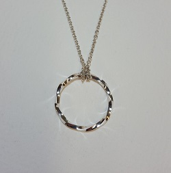 69137 - Handmade 'Twist' pendant in Sterling Silver