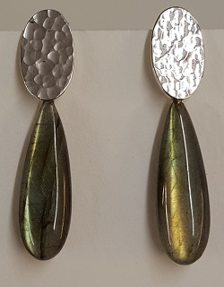 69202 - Handmade Silver Drop Earrings set with Labradorite