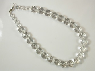 69580 - Graduated facetted rock crystal necklace with silver clasp fitting