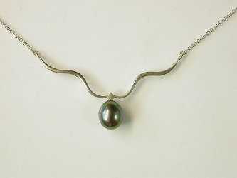 70130 - Black Pearl necklace in Sterling Silver