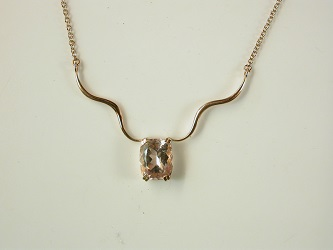 70161 - Morganite necklace in 9ct Red Gold
