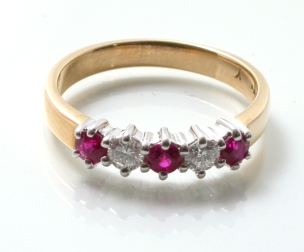 65890 - 18ct Yellow & White Gold Ruby & Diamond 5 Stone Ring