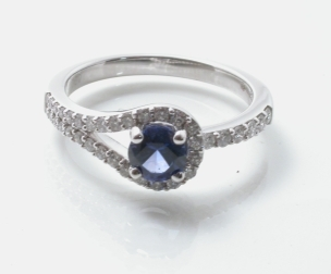 67106 - Superb Sapphire & Diamond Ring in 18ct Gold