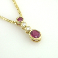 65518 - 18ct Yellow Gold Ruby & Diamond Pendant on chain